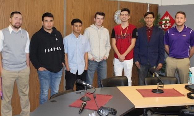 SPORTS BEAT: Meadow Broncos Boys Basketball Team