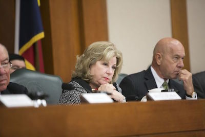 Texas Senate panel advances $5,000 teacher pay raise proposal